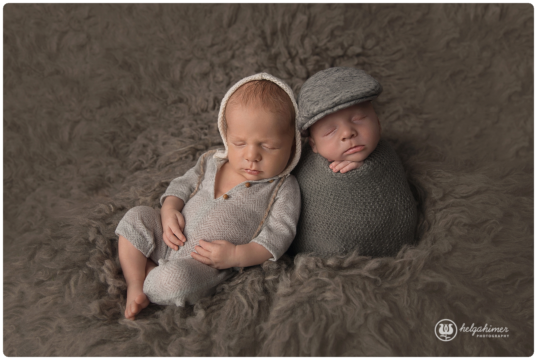 miajoy-flokati-patatosack-sittingnewborns-twins-newborn-photography-helgahimer-sudbury